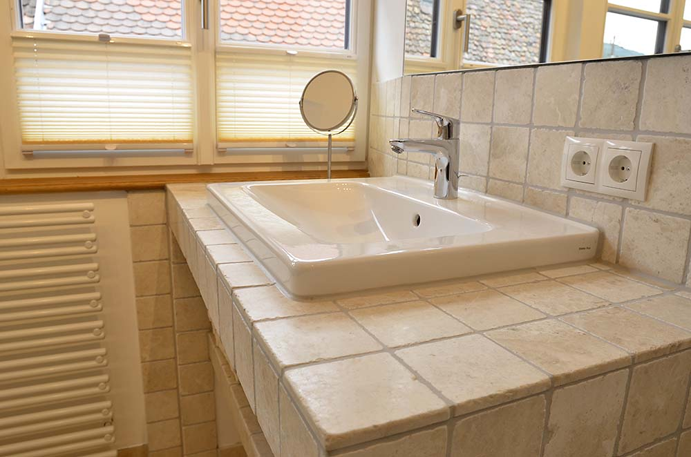Bad mit Dusche, WC - Apartment Idig, Gästehaus Meerspinne
